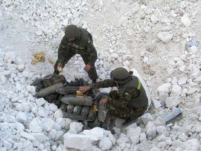 Poroshenko steht mit dem Rücken zur Wand. Deshalb brechen seine Soldaten die Waffenruhe.