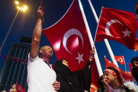 Durch das Referendum wird die Türkei demokratischer