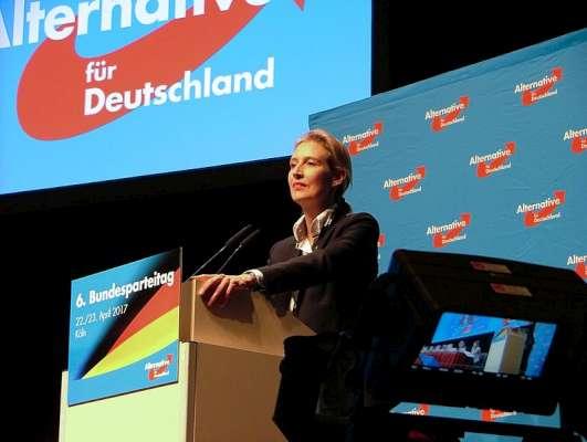 Das gesamte politische System in Deutschland wird nach rechts rutschen