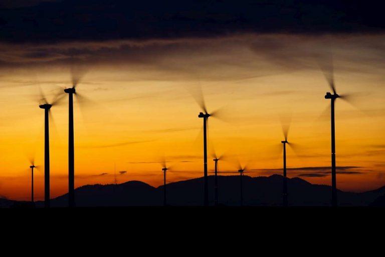 Mit erneuerbaren Energien schaffen wir uns tausende neue Jobs