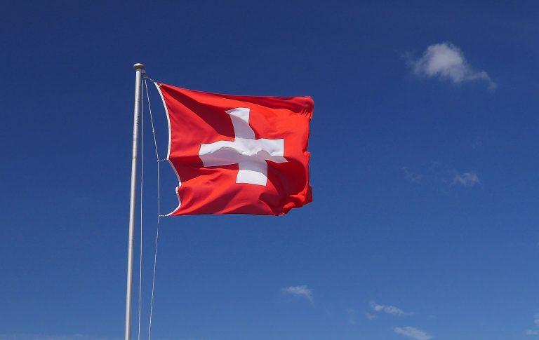 Zwei Schweizer Journalisten beschreiben, warum es zur Volksabstimmung gegen den Rundfunk kommt