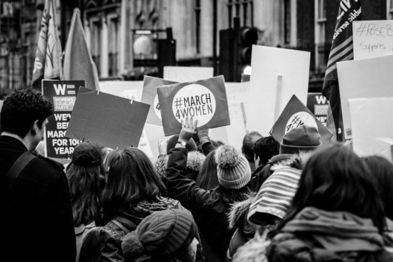 Feminismus und Frauenbewegung: Die Fakten im Überblick