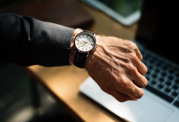 Das Problem ist nicht die (lange) Arbeitszeit, sondern deren Erfassung.