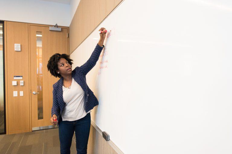 Wir brauchen Anti-Rassismus-Trainings für Lehrer