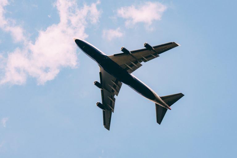 Weniger zu fliegen, schützt das Klima nicht