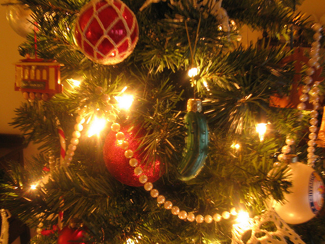 Gewürzgurken im Baum - eine deutsche Weihnachtstradition?