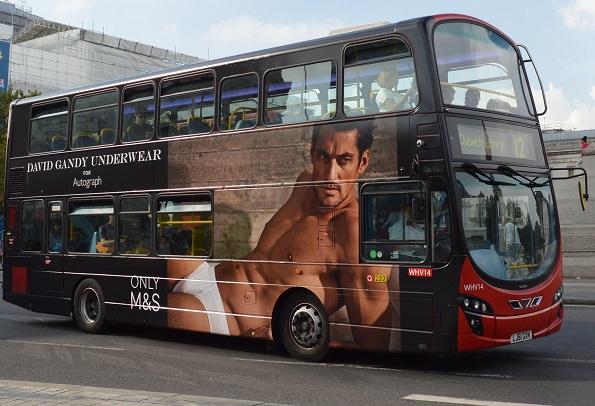 Geschlechterrollen: Wie Männer durch Werbung sexualisiert werden