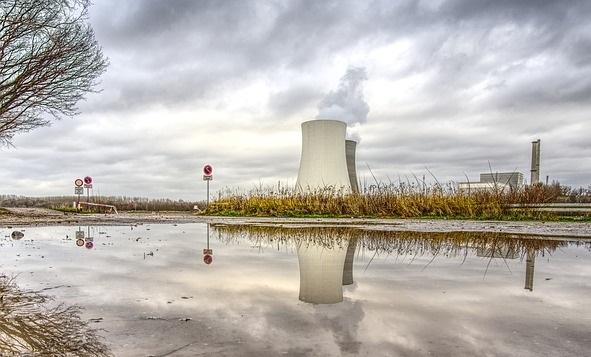 Der Anteil der Kernkraft an der Weltstromerzeugung sinkt – weil Kernenergie sich kaum rentiert