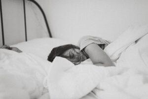 Was wäre, wenn Frauen bei Regelschmerzen einfach zuhause bleiben könnten?